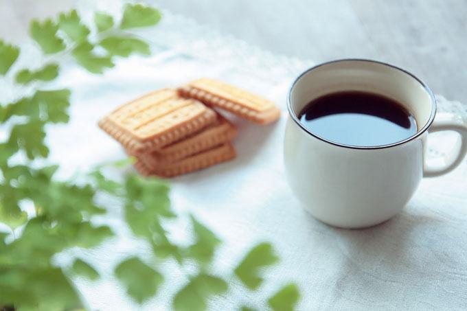 美味しいクッキーとコーヒー